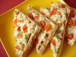 Kahvaltı sofralarınıza renk katıcak parmaklarınızı bile yiyebileceğiniz bir lezzet Fırında Kaşarlı Ekmek Tarifi