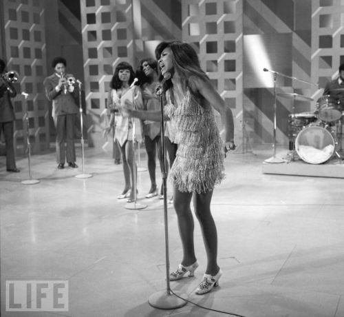 tina turner 70s outfits - Google Search | Ike & Tina ...