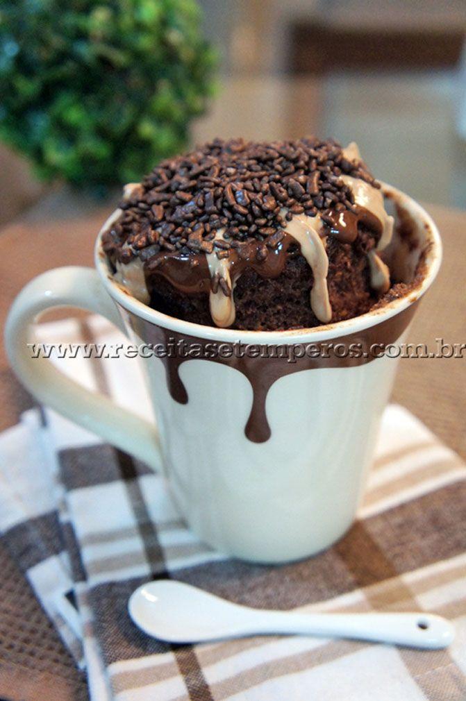 Bolo de Caneca de Chocolate | Receitas e Temperos