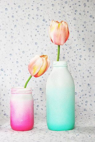 Ombre Glass Vases   41 Amazing Free People-Inspired DIYs