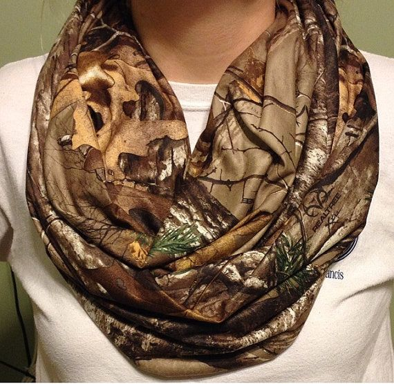 Hey, I found this really awesome Etsy listing at https://www.etsy.com/listing/181476650/realtree-camo-infinity-scarf