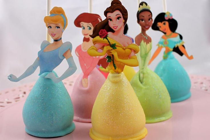 Disney Princess cake pops. How cute are these?! Tricia we should attempt these! & by we I mean you haha