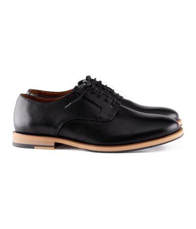 Ibland kan HM det där med stil, ett par klassiska Oxford Shoes är alltid något man vill ha.
