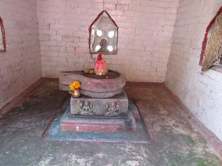 Siva Lingam in small temple