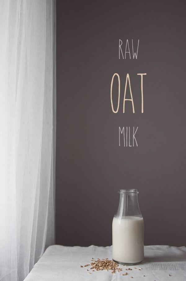 Homemade raw oat milk (vegan milk) / Domowe mleko owsiane