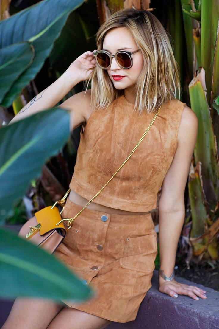 boho chic style - brown suede set (sleeveless crop top + buttoned mini skirt)