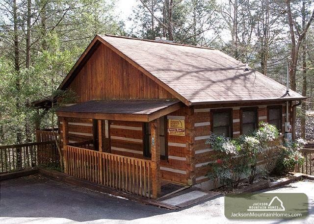 63 best pet friendly cabins images on pinterest pet for Jackson cabins gatlinburg tenn