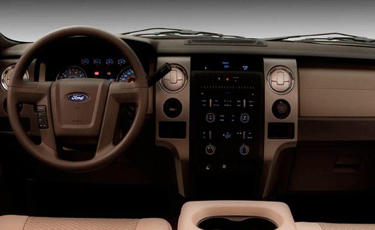 Ford Lobo tiene los mejores avances tecnológicos. Con MyFord Touch® localizas puntos de interés en un mapa 3D de México, EU y Canadá; además, almacenas hasta 2,400 canciones en su disco duro y guardas tus fotos para personalizar la pantalla.