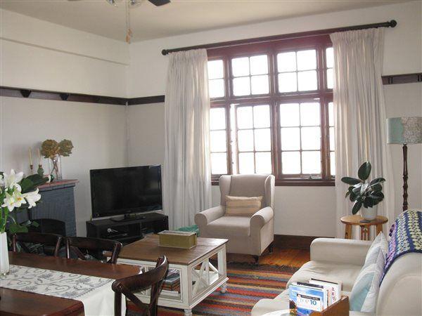 1.5 bedroom flat in Glenwood, Glenwood, Property in Glenwood - Z25727