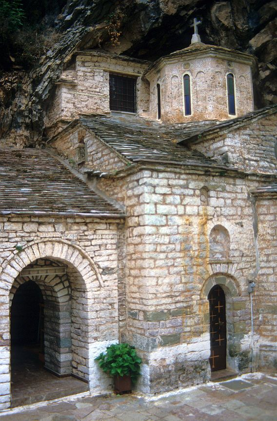 Proussos Monastery - Greece, 1987 It is one of the monasteries saved in Evrytania. The Frescoes greated bij the painters G. Georgiou and G. Anagnostou