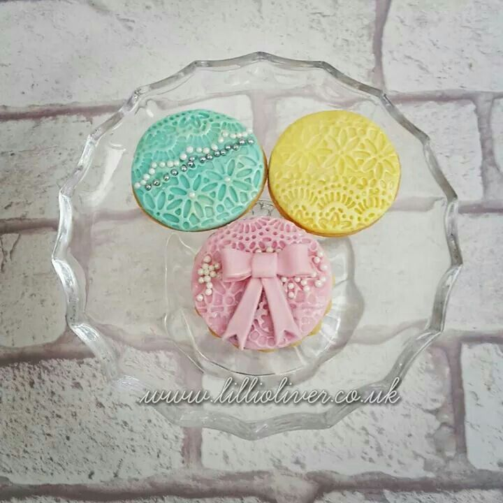 Cookie Couture by Lilli Oliver  wedding favours and gifts  www.lillioliver.co.uk