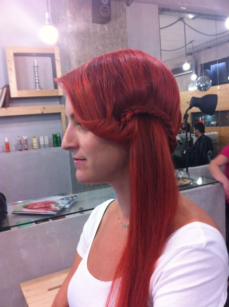 styling long red hair