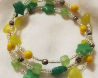 "Bracelet - Yellow and Green Beads - Memory Wire Bracelet ""Reach for the Stars"""