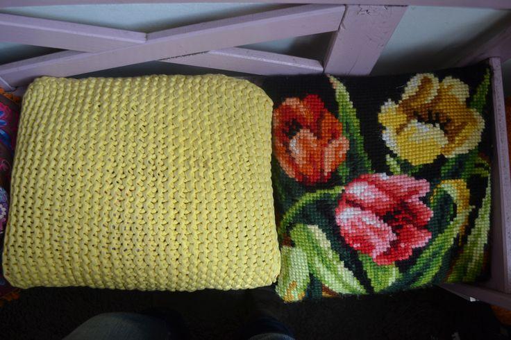 Zpagetti cushion and embroidered cushion / zpagetti kussen en geborduurd kussen by Linda van Deursen