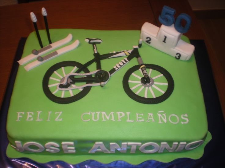 Tarta para un 50 cumpleaños, para un deportista aficionado al ciclismo y al esquí! Felicidades, Jose Antonio!