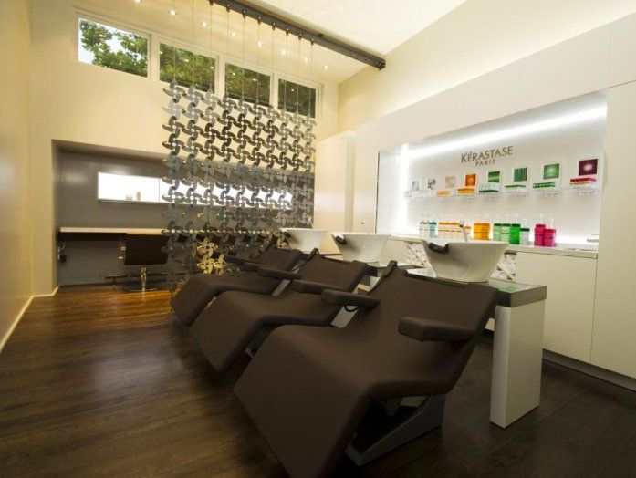 Bettjemans luxury hair spa - our specialist treatments are designed to enhance the beauty of your hair. The menu includes a series of Kérastase hair 'rituals', each of which begins with a thorough hair and scalp diagnosis and a relaxing herbal tea.