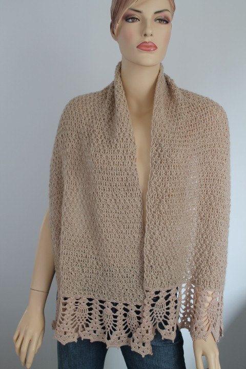 Light Beige Alpaca Hand Knit Crochet Shawl Wrap por levintovich