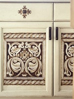 How to Update a Cabinet Door with Multilayer StencilingBrown Cabinets, Cabinets Redo, Kitchens Cabinets Makeovers, Kitchens Cabinets Stencils, Cupboards Doors, Cabinet Doors, Stencils Cabinets, Kitchen Cabinets, Cabinets Doors
