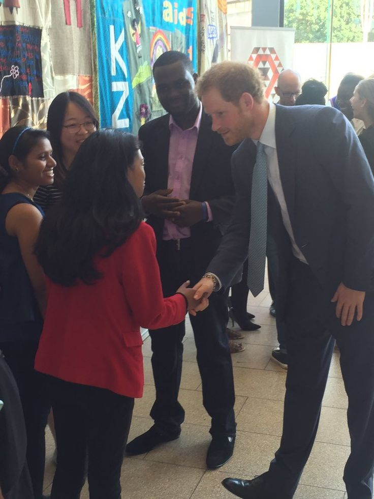 """Kensington Palace on Twitter: """"Prince Harry is now meeting with @AIDS_conference youth ambassadors - youth leadership is vital"""
