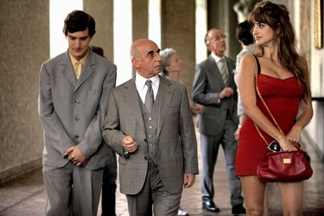 "Richard Brody on the ""inspired lunacy"" of Woody Allen's new film, ""To Rome With Love"": http://nyr.kr/MapqWH: Film Festivals, Hollywood Stars, Woodyallen, Rome, Movie, Turquoise Blue Cross, Penelope Cruz, Woody Allen, Penelop Cross"
