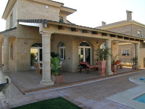 Fachadas con arcos buscar con google casas teja - Casas con porche ...