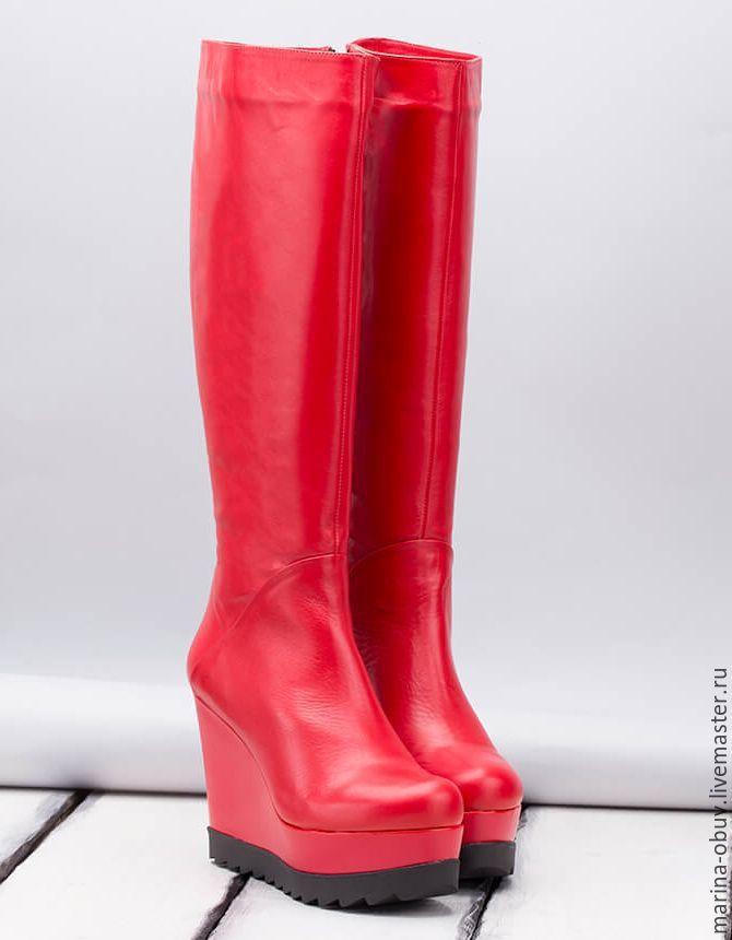 Купить Женские демисезонные кожаные сапоги на платформе красного цвета - ярко-красный, демисезонная обувь