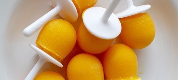 IJslolly's met mango, gember en amandelmelk