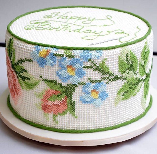 We need more #crossstitch #http://birthdaycakespic.twitter.com/0Jd8QYhmf9