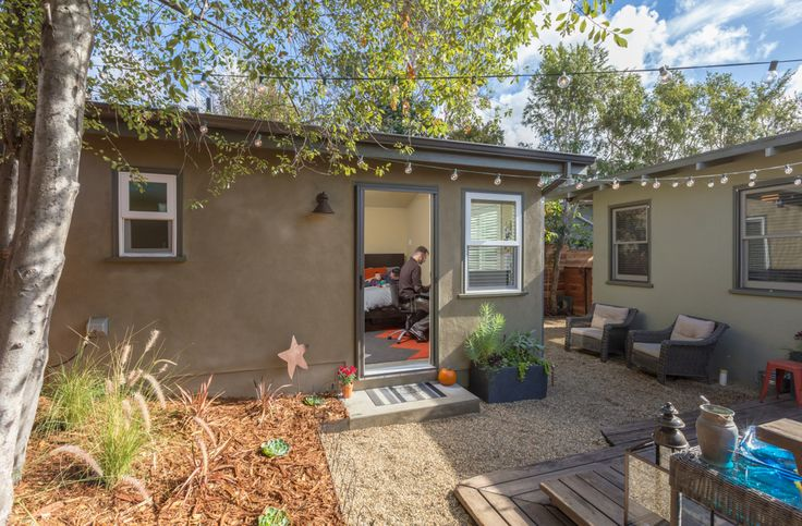 11 best travis and kelly 39 s casita guesthouse and office in for Backyard casita plans