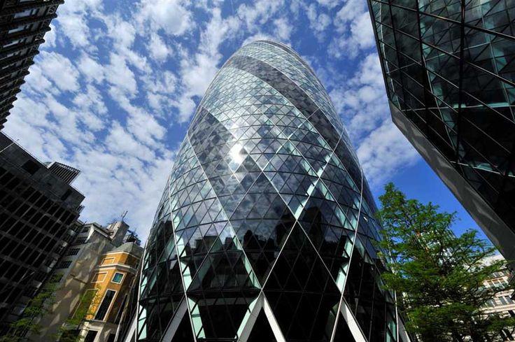برج سويس ري في لندن