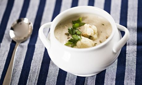 Jack Monroe's roasted cauliflower, garlic and fennel soup. Photograph: Graeme Robertson for the Guardian #meatfree #vegan