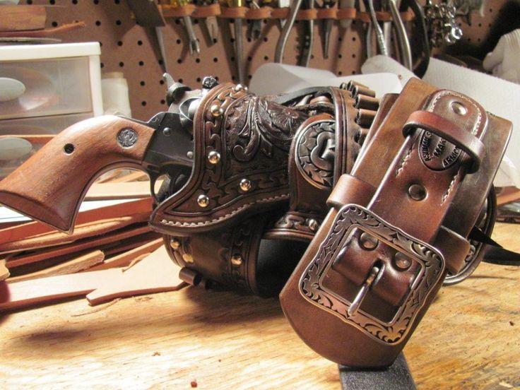 Резные/Сан-Карлос пограничной вышке на один шестиствольный пулемет кобуры, винтовки стропы и ножны - Leatherworker.net