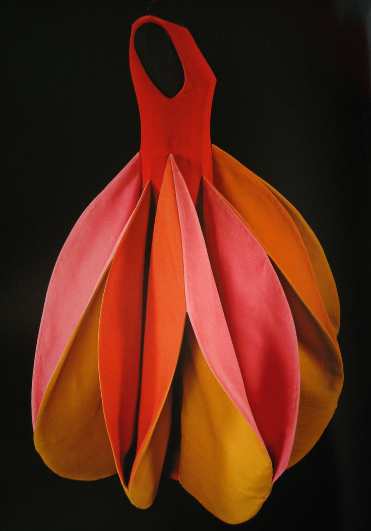Roberto Capucci b1930 Italy. Roberto was famed for his sculpted dresses. Dress dates from 1982