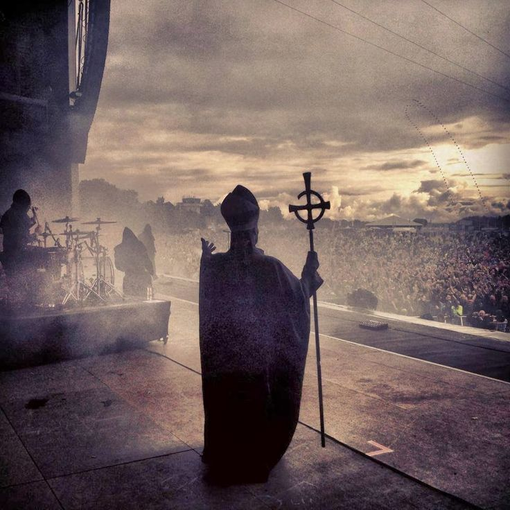 One of my all-time favorite Ghost pictures.  ♥