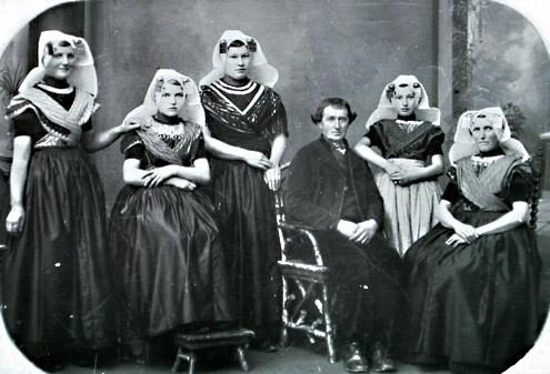 Het (katholieke) gezin Franse uit Ovezande (Zuid-Beveland), 1895 (ZB/Beeldbank Zeeland)