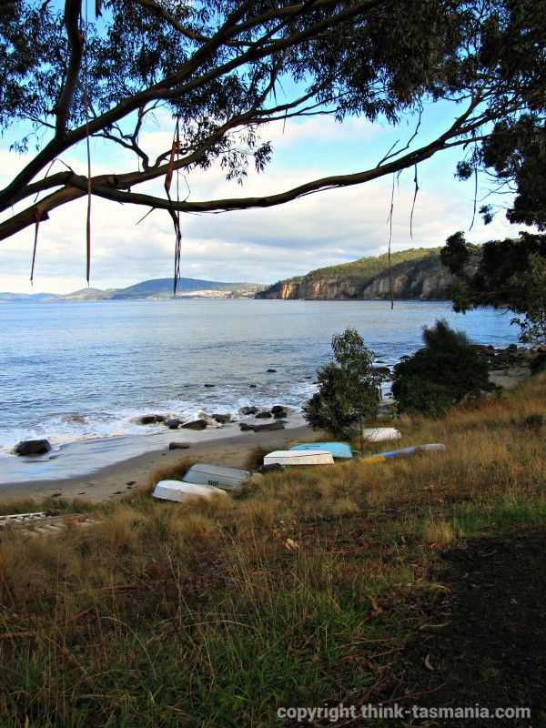 Taroona and Hinsby Beaches on a Coastal Discovery Trail. #Hobart #Tasmania #Walking #Beach