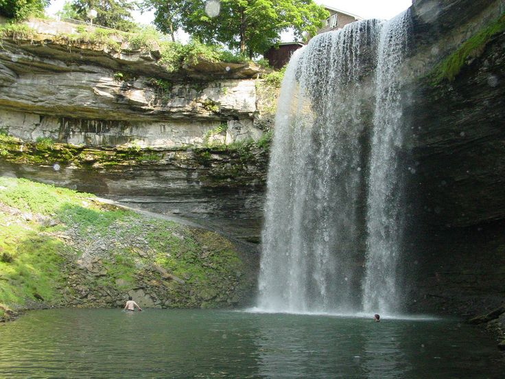 <b>You're going to FALL in love with these GORGEous Canadian landscapes.</b> (There are a lot of waterfalls and gorges)