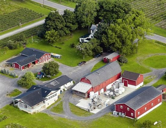 Hunt Country Vineyards in Branchport, NY - Tasting room, winery & Hunt family home