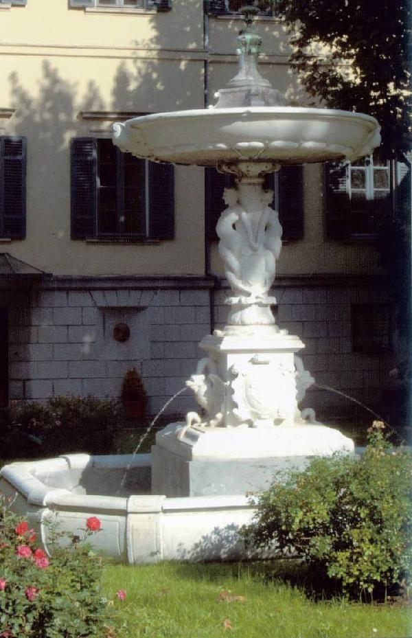 17th Century Marble Fountain - Villa Gallietta | Como #lakecomoville