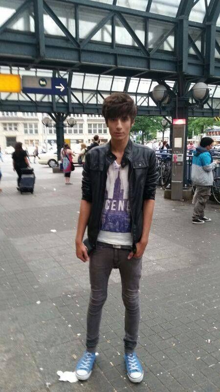 Shemales in super tight jeans xxx pics