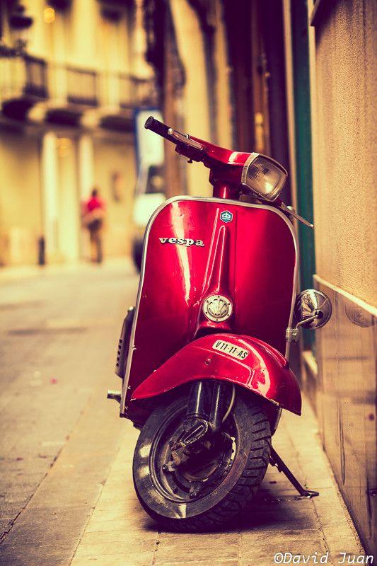 Vespa Love by David Juan on 500px  old quarter fo Valencia city -Spain