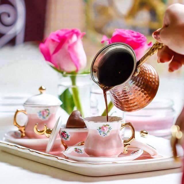 tek-kelime-yeter: Kahve kokulu sabahları seviyorum…..