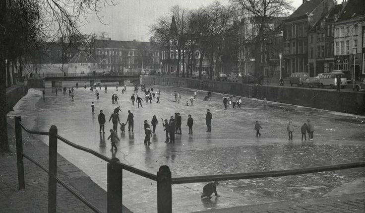 Schaatsen haven 1954 Breda