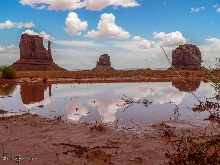 Mirror Buttes at Monument Valley