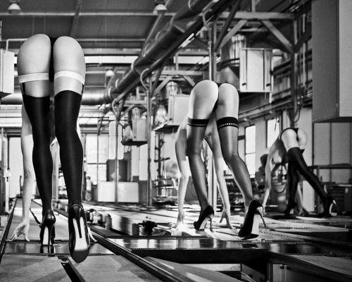 Ready, steady, GO! #hello #friday 2012 Ferroli Calendar #inspired by the #olympic dyscyplines #photographer Szymon Brodziak #artdirector Stefano Leonardi #cinematographer Michał Zachaś #makeup Slawka Sadowska #hair Krzysztof Nawrot #style Agnieszka Pogorzelska #production Bogna Błatkowska, Agata Kruczek #bwphotography #fashion #bw #trendy #models #photosession (w: Brodziak Gallery)…