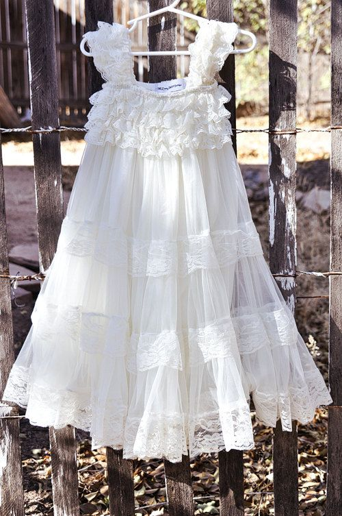 Ivory Lace Flower Girl Dress Ivory Shabby Chic di CountryCoutureCo