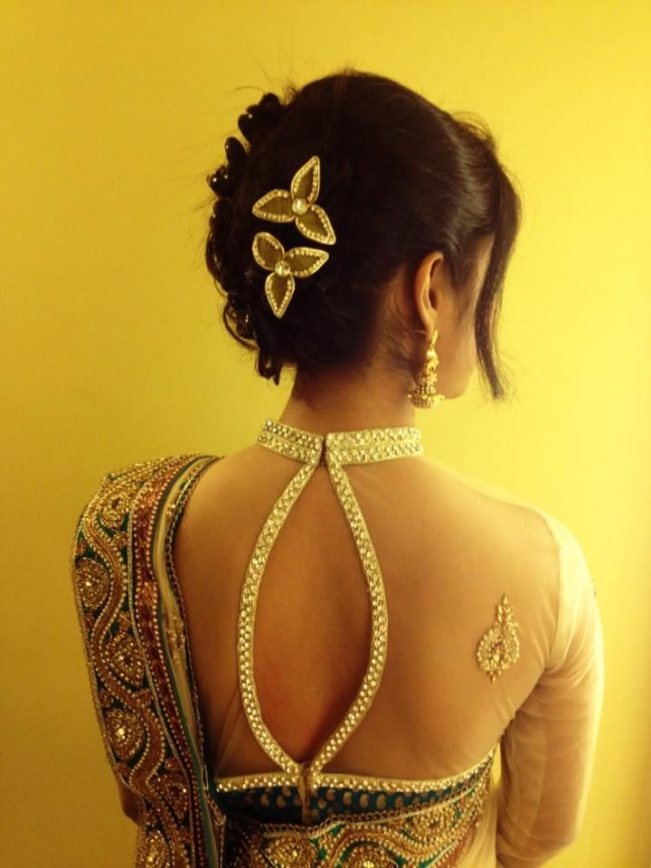 Love the blouse - absolutely gorgeous!! Pretty hair clips, too! #indian #wedding #hairdo