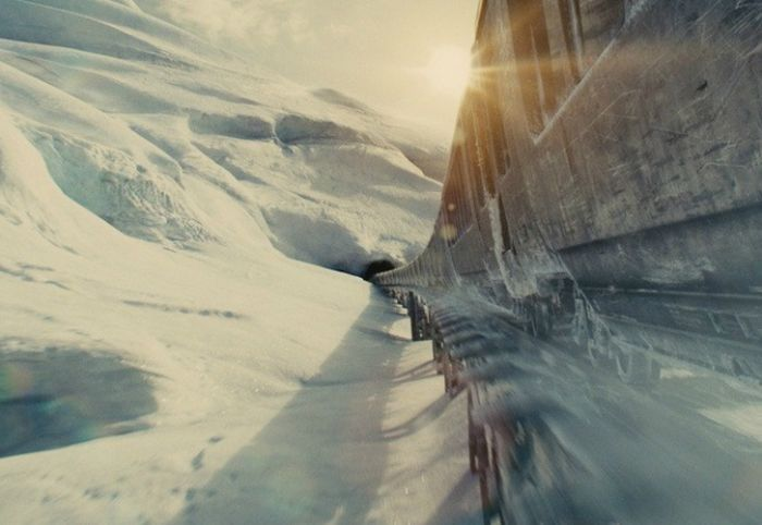 2. Сквозь снег/ Snowpiercer, 2013