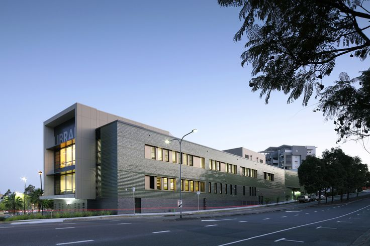 Gallery of Helensvale Branch Library and CCYC / Complete Urban + lahznimmo architects - 1