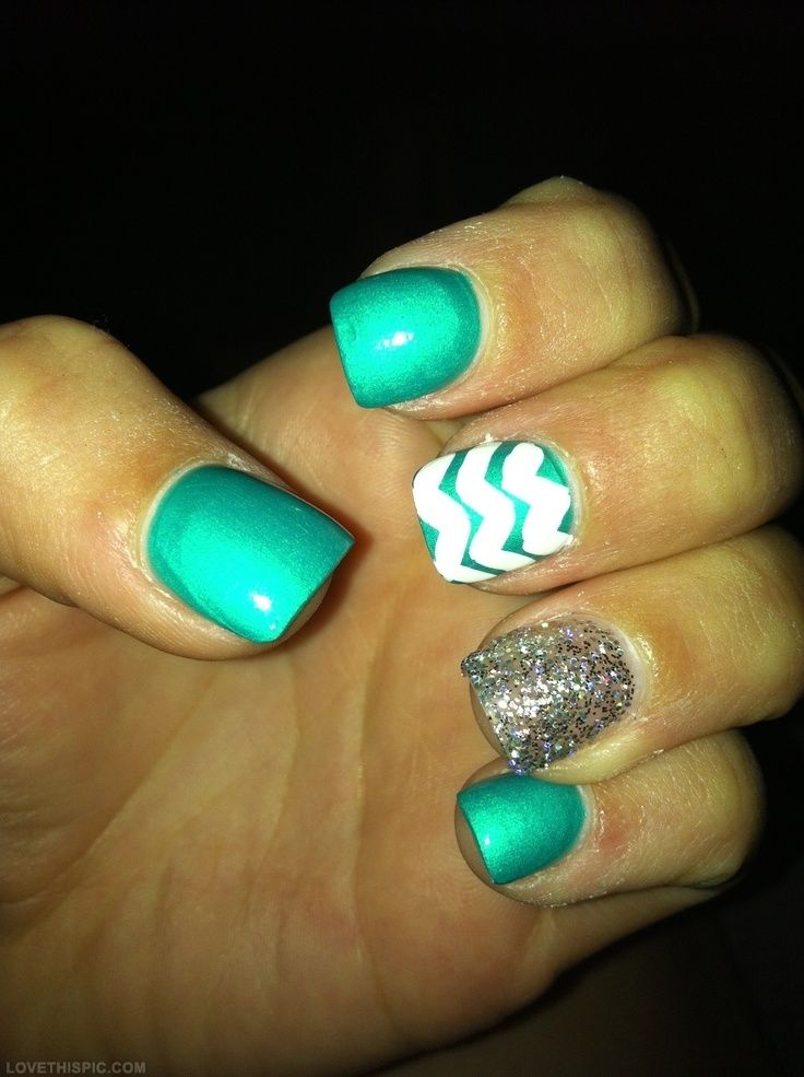 Green   Sparkle Nails Girly Cute Nails Girl Nail Polish Nail Pretty Girls  Pretty Nails Nail